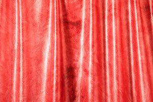 Tie Dye Mystique (Red/Red)